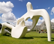 Henry Moore, large reclining figure,